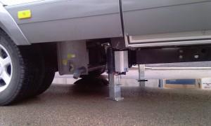 MERCEDES-HYMER-TESA-CAMPER-level-systeem-autolift-1